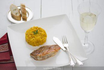Salmonetes a la plancha con arroz meloso