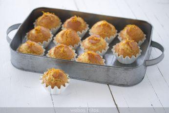 Magdalenas de naranja confitada
